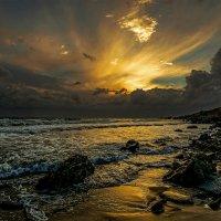 Тихо плещется волна... :: Александр Бойко