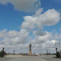 Петровская площадь в Астрахани :: Евгения Чередниченко