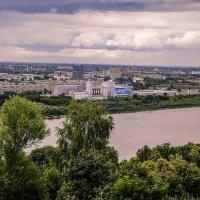 Над городом тучи... :: Андрей Головкин