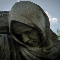 Скорбящая мать :: Vladislava Ozerova