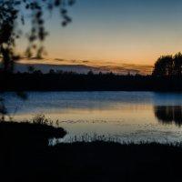 Закат над озером :: Юлия Михайлычева