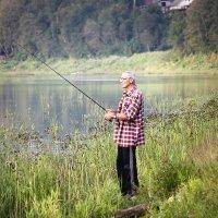 Папка рыбачит :: Светлана marokkanka