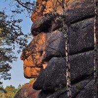 Нерукотворное гигантское каменное изваяние :: Екатерина Торганская