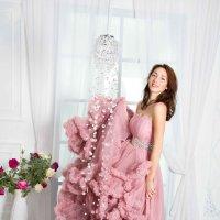 Принцесса в фотостудии в платье облако :: Нина Бородина