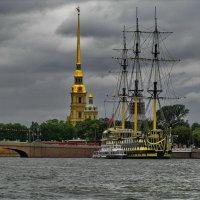 Вид набережной правого берега Невы от Летнего сада. :: Владимир Ильич Батарин