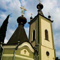 православная  церковь  в  Алуште :: неля  тулузова
