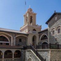 Кикский монастырь о. Кипр. Вид на колокольню. :: Андрей Самсонов