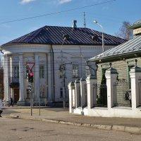 Листья желтые над городом кружатся ... :: Святец Вячеслав