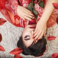 Красная роза :: Мария Дергунова