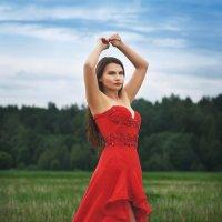 Девушка в вечернем платье :: Александр Маточкин