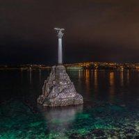 Этот величественный и гордый памятник :: Александр Пушкарёв