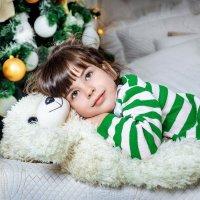 Стеша в ожидании Нового года :: Снежана Горькая