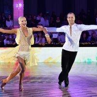 Танец чемпионов! :: Oleg Konyzhev