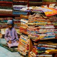 Время молитвы на ткацкой фабрике :: Станислав Маун