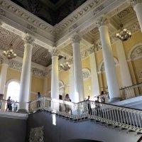 Парадная лестница Русского музея :: Наталья