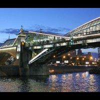 Вечер, мост, река... :: Александр Назаров