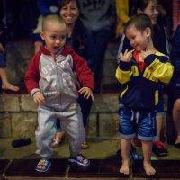 Вьетнамские ребятя :: Илья Шипилов