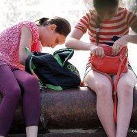 подружки старшеклассницы :: Олег Лукьянов