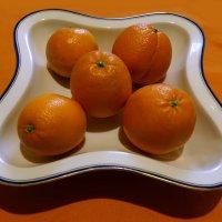 Пять апельсин в голубой каёмке :: Игорь Замлинский