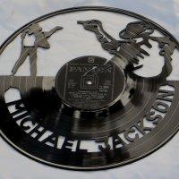 Вырезаны из виниловых пластинок :: Наталья Джикидзе (Берёзина)