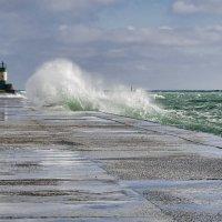 Море бушует... :: Елена Данько