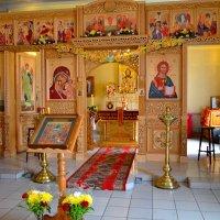 В храме :: Владимир Постышев