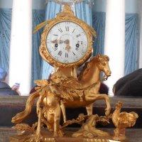 Старинные часы :: Мила