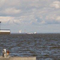 ...пароходы,уходящие из порта. :: Владимир Гилясев