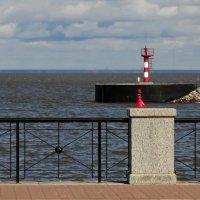 ...где провожают пароходы... :: Владимир Гилясев