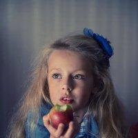 Снова мысли полонила золотая радуга? :: Ирина Данилова