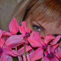 Татьяна и цветы )) :: Наталья Мельникова