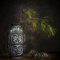 ваза с ёлочкой :: Алексей Строганов