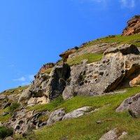 Причудливые камни Малого Карачая. Скалистый хребет. :: Vladimir 070549
