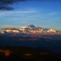 Рассвет в Гималаях. Эверест :: Boris Khershberg