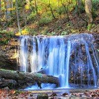 Лесной водопад :: Константин Снежин
