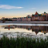 Осенние прогулки по набережной :: Андрей Гриничев