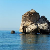 """Скалы в бухте """"Афродиты"""" :: Natali"""