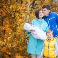 семейная осенняя прогулка :: Александра Капылова
