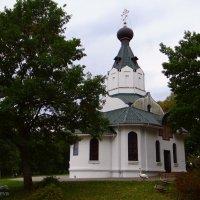 Храм в монастыре.. :: Антонина Гугаева