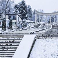 В снегопад на Каскадной лестнице. Кисловодск :: Герасим Харин