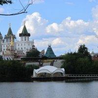 Вид на Измайловский Кремль :: Дмитрий Никитин