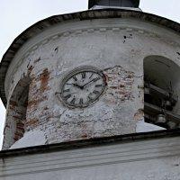 Веков отчитывают время... :: владимир