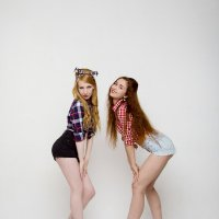 Julia & Catherine pin-up girls :: Oleg Kazakov