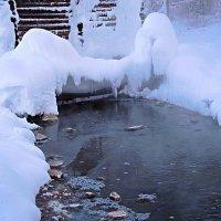 серо-водородный источник :: Антонида Михайлова