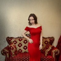In a red dress... :: Сергей Гутерман