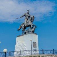 памятник Киевскому князю Святославу :: олеся тронько