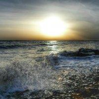 По небу солнце разливает краски... :: Игорь Карпенко