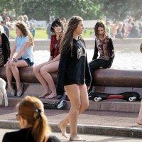 старшие девочки на каникулАХ :: Олег Лукьянов