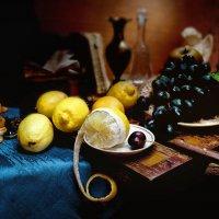 Натюрморт с лимонами :: Владимир Голиков
