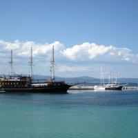 Пиратский корабль на рейде :: ponsv